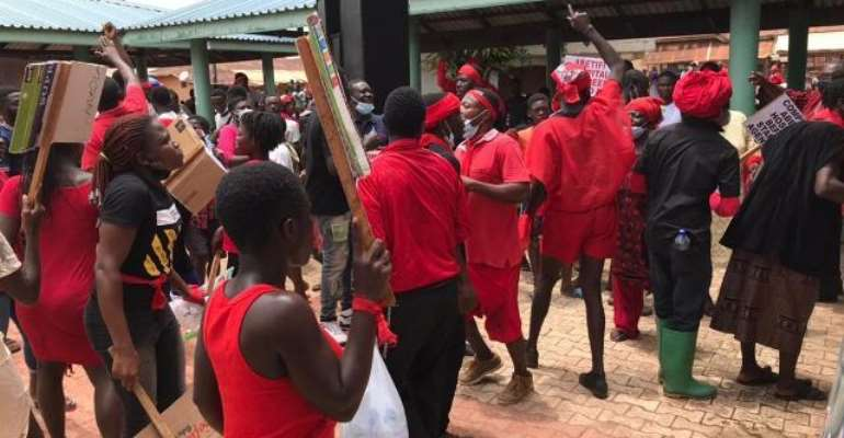 Concerned Youth of Kwahu East demonstrates over abandoned Abetifi hospital project