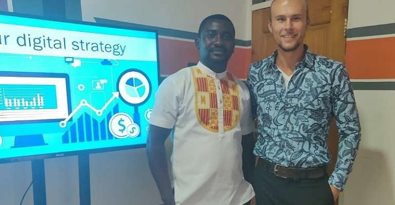Micha van den Akker and Trinity Software Center manager Stephen Ofori at the digital transformation workshop with SME in Kumasi