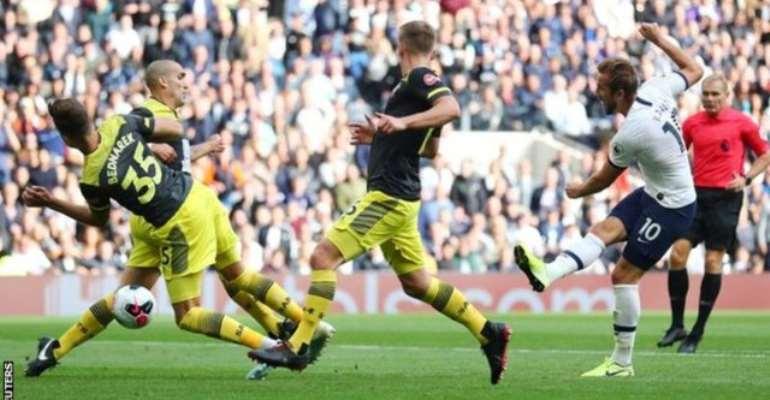 Harry Kane Rescues Hugo Lloris As 10-Man Tottenham Beat Southampton