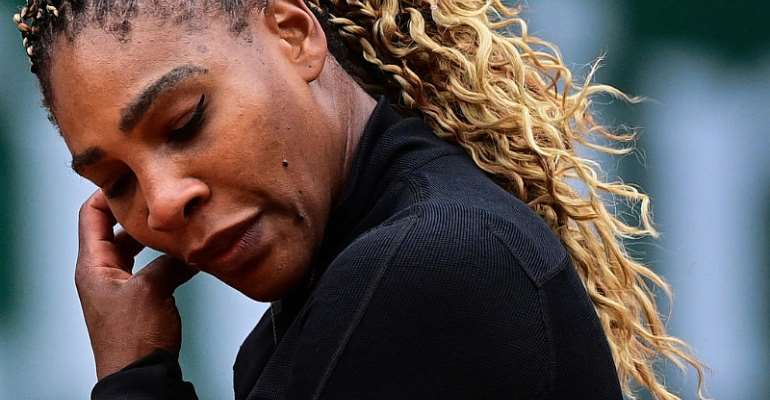 Nadal eases through as Williams overcomes early hiccup