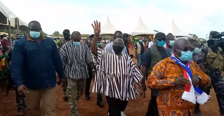 Watch How Heavy Storm Carried Away Bawumia, Disrupts Campaign Activities At Nsawkwa