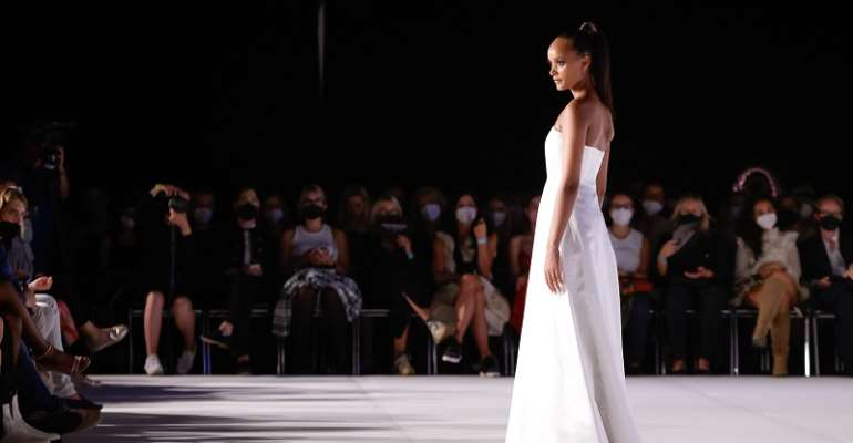 Imaatu Debuts Twin Flame Collection for Spring/Summer 2022 at Vienna Fashion Week