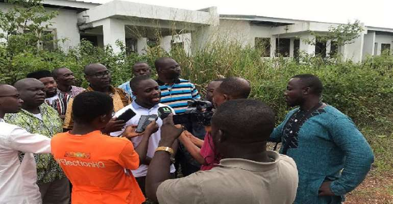 We'll not allow this old man Akufo-Addo and his old men gov't to misuse the country's resources — Akandoh vex over abandoned Kumawu government Hospital