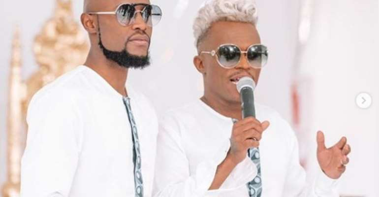 Mohale Motaung and Somizi Mhlongo