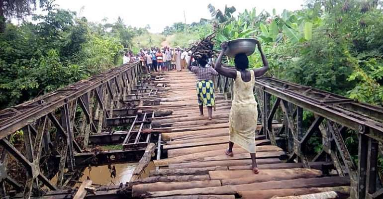 Suhum-Photos: Poor road, bridge inform Abisim Dawa residents not to vote