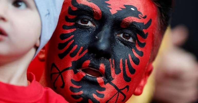 Reuters/Christian Hartmann