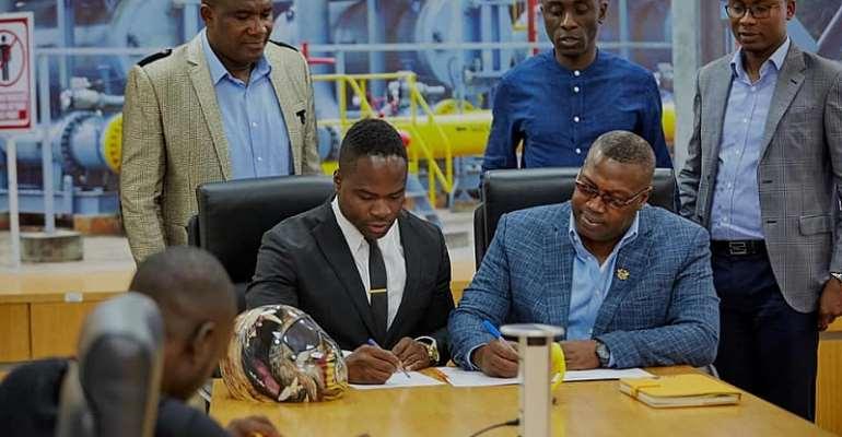 Winter Olympian Akwasi Frimpong Signs Partnership Deal With Ghana Gas [PHOTOS]