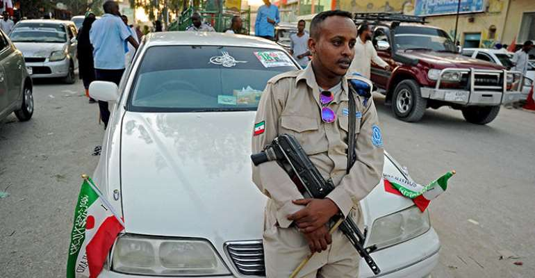 A police officer is seen in Hargeisa, Somaliland, on May 16, 2016. Police in Hargeisa recently arrested Horyaal 24 TV owner Mohamed Osman Mireh. (AFP/Mohamed Abdiwahab)