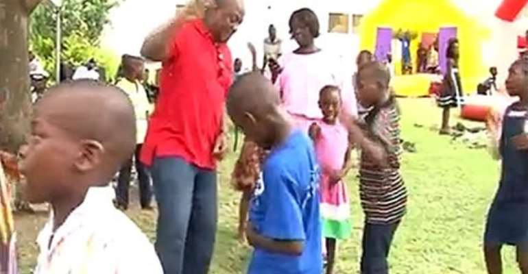 Delays in paying salaries of newly employed teachers will be thing of the past-Mahama