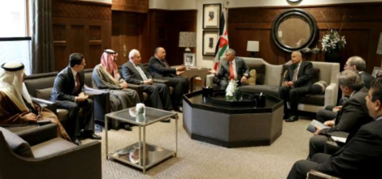 A handout picture released by the Jordanian Royal Palace on January 6, 2018, shows Jordan's King Abdullah II meeting top Arab foreign ministers and diplomats to discuss Jerusalem after the US recognised the city as Israel's capital.  By Yousef ALLAN (Jordanian Royal Palace/AFP)