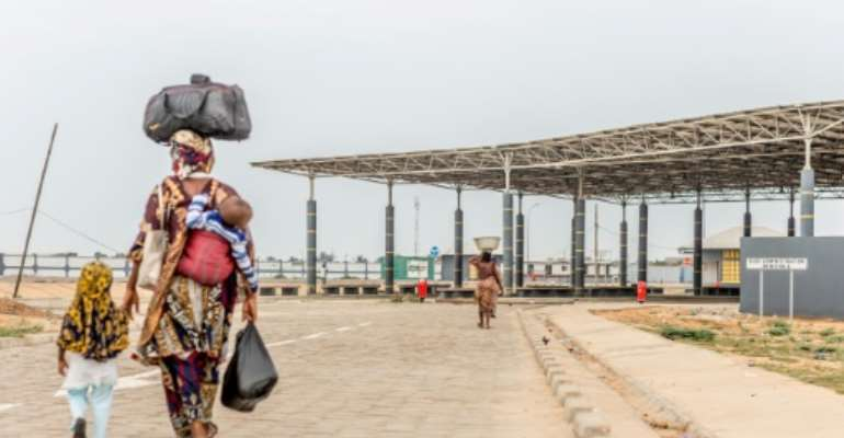 A very quiet Togo-Benin border crossing at Hillacondji..  By Yanick Folly (AFP)