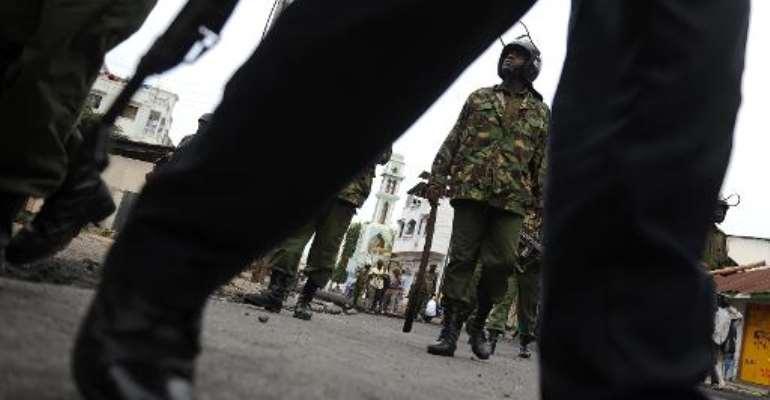 Kenyan anti-riot police patrol on August 31, 2012.  By Simon Maina (AFP/File)