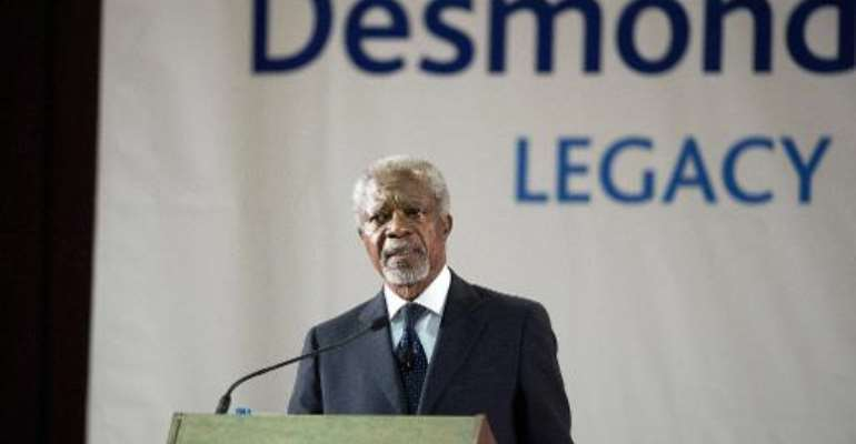 Kofi Annan, former Secretary General of the United Nations delivers the third annual Desmond Tutu International Peace Lecture, on October 7, 2013, at the University of the Western Cape, in Cape Town.  By Rodger Bosch (AFP)