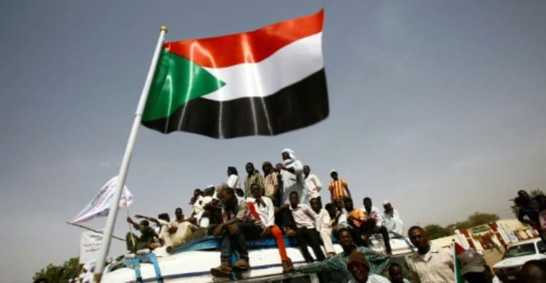 Besides counterterrorism cooperation and human rights, the United States asked Sudan to move forward in resolving its myriad internal conflicts -- including by giving better access to humanitarian workers.  By ASHRAF SHAZLY (AFP)