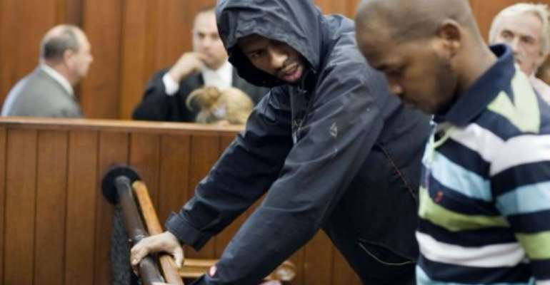 South African Xolile Mngeni (L) and Mziwamadoda Qwabe (R) are accused of murdering Swedish tourist Anni Dewani.  By Rodger Bosch (AFP)