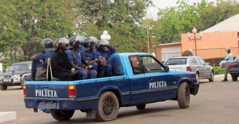 Police arrive at the National Assembly in Bissau.  By Alfa Balde (AFP)