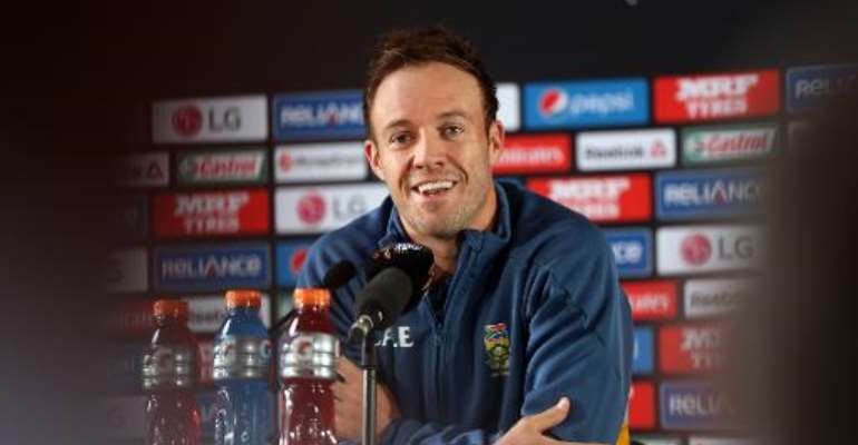 South Africa's captain AB de Villiers speaks to the media ahead of their Cricket World Cup semi-final match against New Zealand, at Eden Park in Auckland, on March 23, 2015.  By Michael Bradley (AFP)