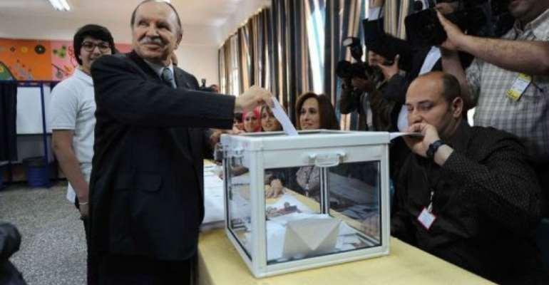 Algeria's President Abdelaziz Bouteflika casts his vote.  By  (AFP)