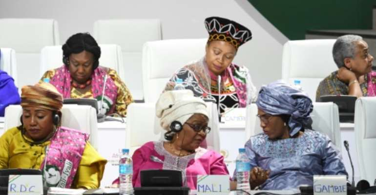 On the sidelines of the summit at Niamey, the first ladies of Africa launched a call for a better fight against cancer, asking for an increase in taxes on