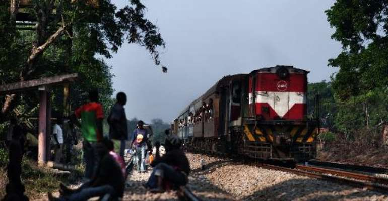 File photo shows a train approaching Muanza station on the Sena Line, some 100 kms north of Beira, Mozambique on November 3, 2010.  By Gianluigi Guercia (AFP/File)