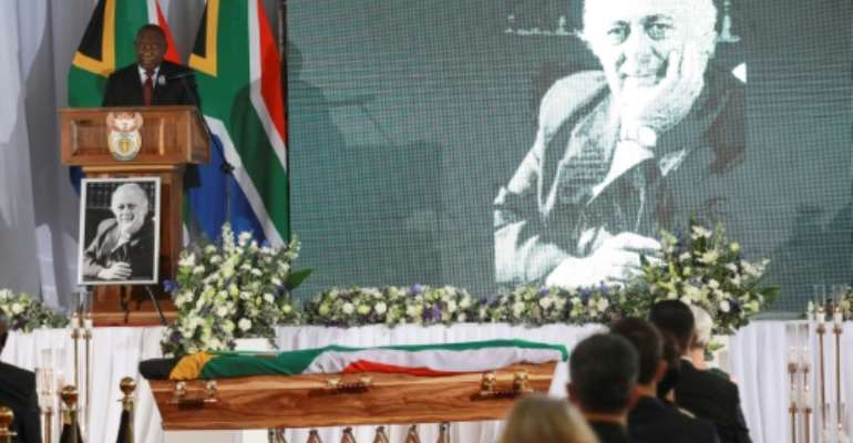 South African President Cyril Ramaphosa pays tribute to anti-apartheid lawyer George Bizos at his funeral.  By KIM LUDBROOK (POOL/AFP)