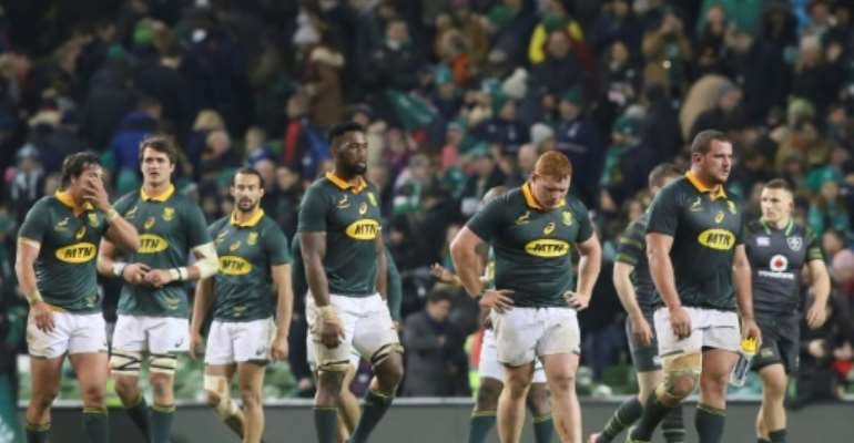 South Africa's players look dejected at the end of their rugby union Test match against Ireland, at the Aviva Stadium in Dublin, on November 11, 2017.  By Paul FAITH (AFP)