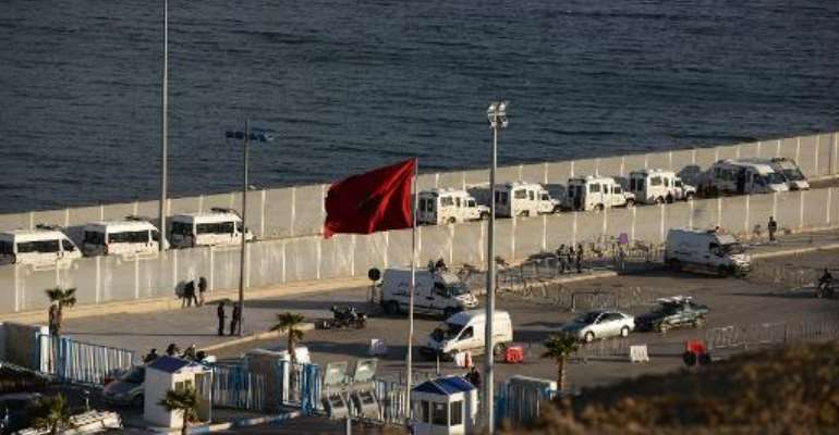 Cars wait to cross the border from Morocco to Ceuta on February 6, 2014.  By Fadel Senna (AFP/File)