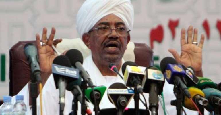 Sudanese President Omar al-Bashir speaks during a press conference in Khartoum, on September 22, 2013.  By Ashraf Shazly (AFP/File)