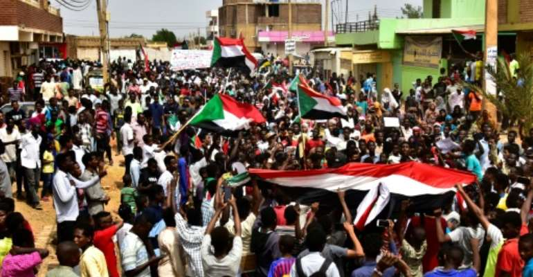 Sudanese protesters have expressed anger at the apparent impunity of the feared paramilitaries of the Rapid Support Forces since the fatal shooting of four secondary schoolchildren during a demonstration in the city of Al-Obeid on Monday.  By Ahmed Mustafa (AFP)