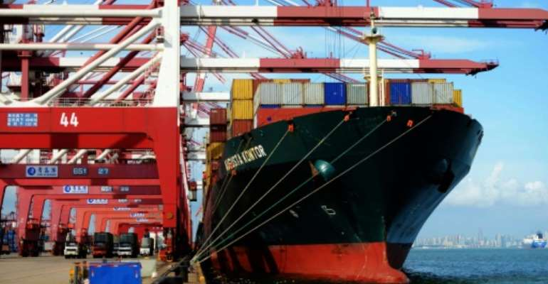 The WTO estimates that global trade will expand by just 1.7% in 2016, compared to its April projection of 2.8%.  By  (AFP)