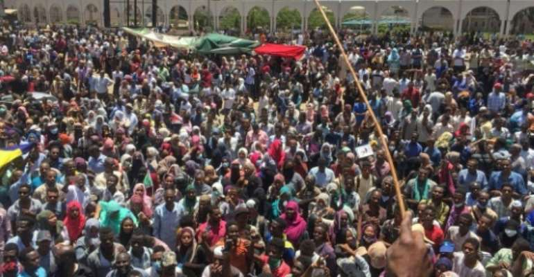 Thousands of protesters have been demonstrating since Saturday outside the army complex that also houses Bashir's residence and the defence ministry.  By - (AFP)