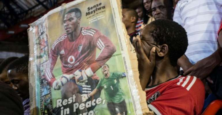 Until now police had failed to find the killers in Senzo Meyiwa's murder, sparking accusations of incompetence.  By Marco LONGARI (AFP/File)