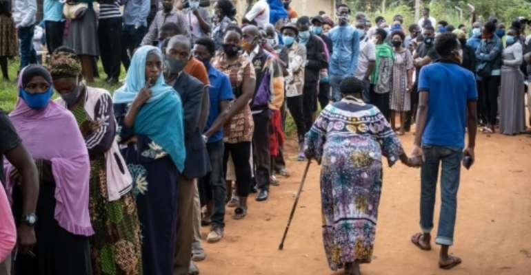 Uganda holds election under internet blackout