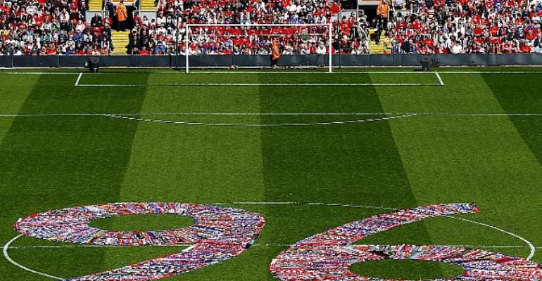 Anfield pays tribute to 96