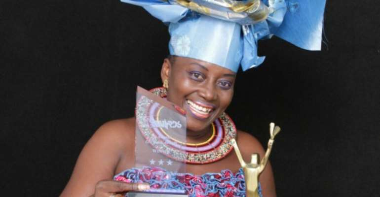 Akumaa Mama Zimbi Wins Award