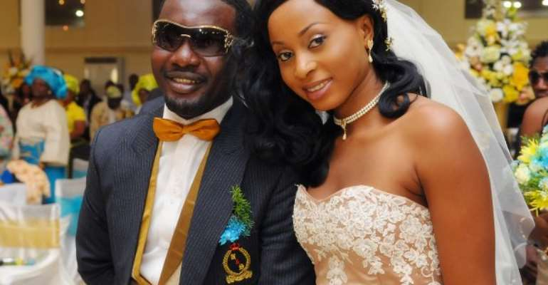 TOP COMEDIAN'S WIFE LOSES PREGNANCY