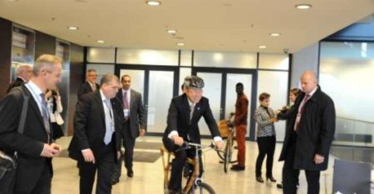 Ban Ki-Moon rides on Ghana Bamboo Bike