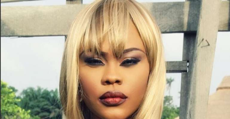 Daniella Okeke, Acquires Vertu Constellation Phone Worth About N1 Million [PICTURE]
