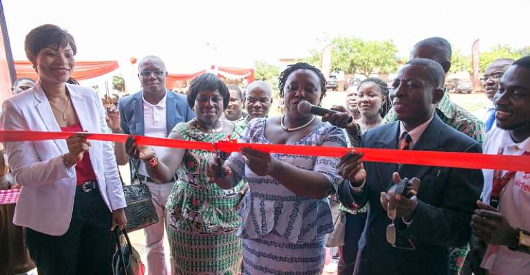 Airtel Ghana Commissions Ultra Modern Library And ICT Centre For La Wireless Cluster Of Schools