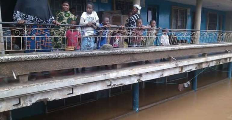 One person dead, dozens injured as buildings submerge in Akosombo