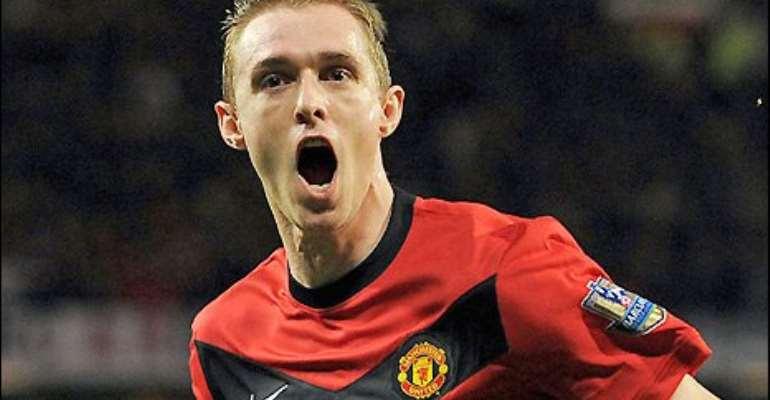 Fletcher celebrates his goal against Everton