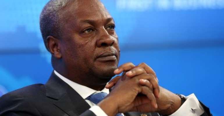 Gift saga: Clement Apaak defends Mahama