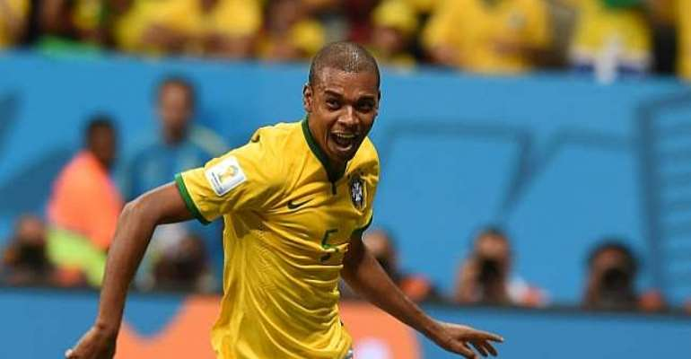 Fernandinho expects attacking Colombia