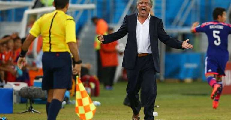 Defensive Greece impress coach Fernando Santos