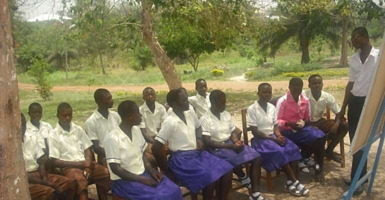 S.H.S STUDENTS STILL GO TO CLASSES UNDER TREES IN ASHANTI REGION