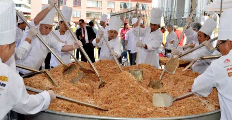 Ghana Attempts Guinness World Record  …Cooks Biggest Ever Bowl Of Rice On Saturday