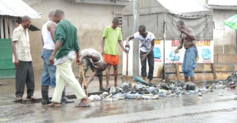 Oboadaka residents organize 'Easter clean-up'