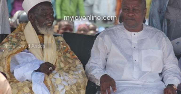 President Mahama urges all to embrace the peace of the country