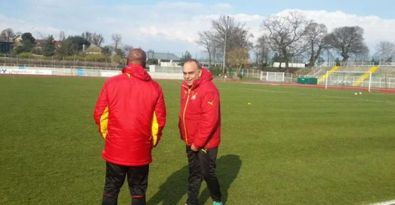 Ghana Coach Avram Grant supervising training ahead of Ghana's game against Senegal in France