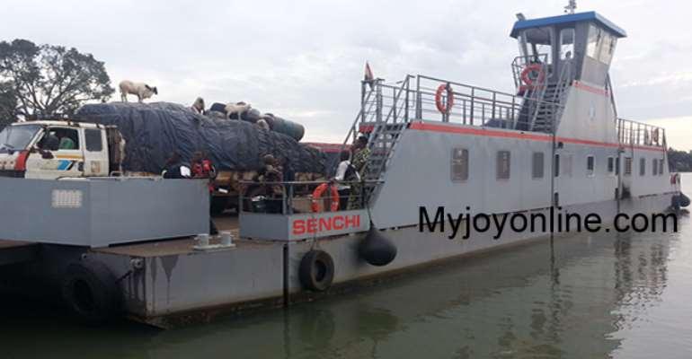 Panic on Volta Lake as Senchi Ferry breaks down